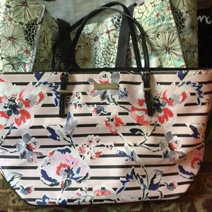 Tote with wallet